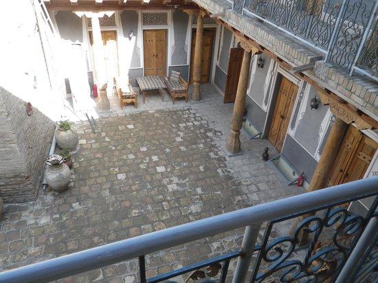 Minzifa Hotel: A view of the courtyard