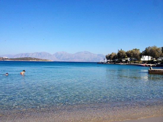 Minos Beach Art hotel: The beach