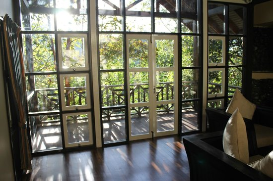 Kinabalu Park: View from the sitting area + Balcony (Nepentes Lodge)