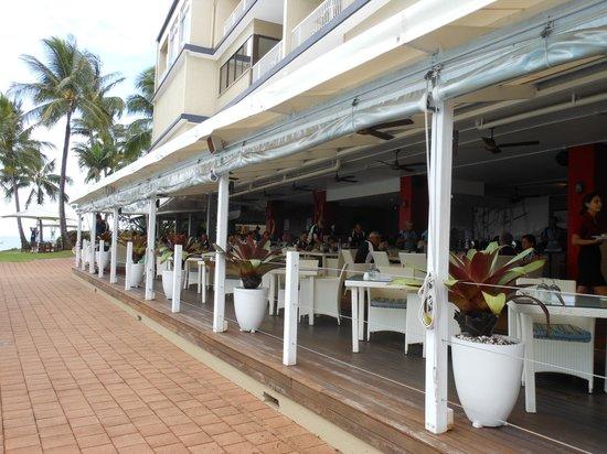 Coral Sea Resort: Great restaurant