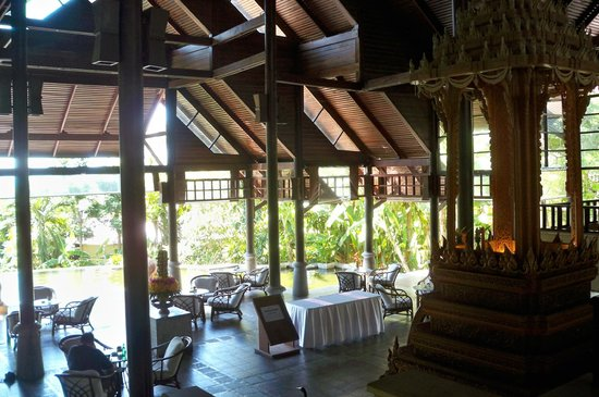 Nora Beach Resort and Spa: Traditional Foyer