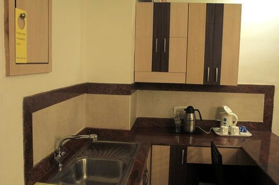 Ooty - Elk Hill, A Sterling Holidays Resort: Kitchenette without the promised Oven