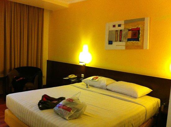 Hotel Ibis Yogyakarta Malioboro: bed