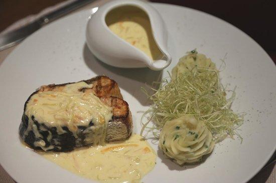 Coquelicot - Bistro Francais: Tournedos de Saumon