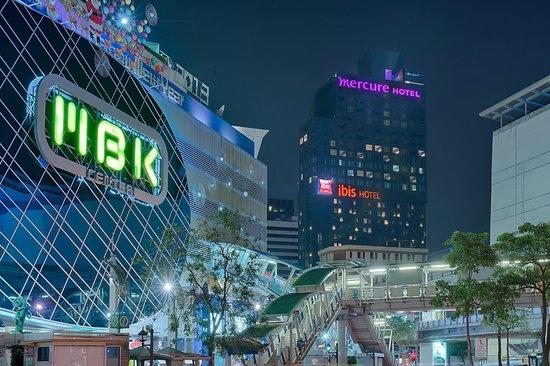 Ibis Bangkok Siam: Exterior
