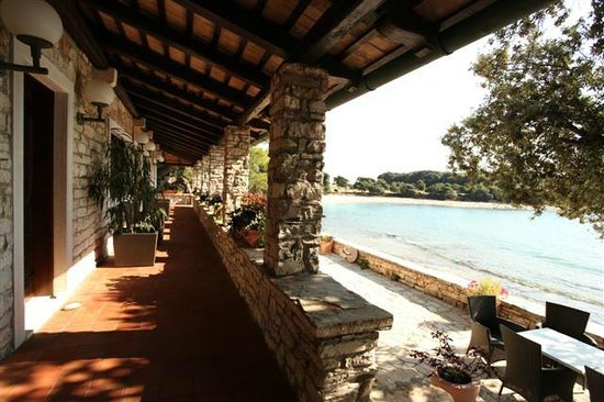 Villa lovorka is situated on the sea coast