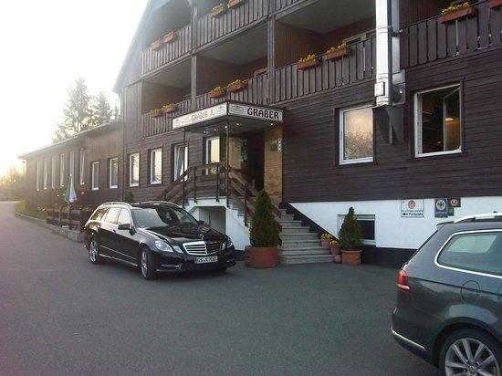 Hotel Restaurant Graber: Front view