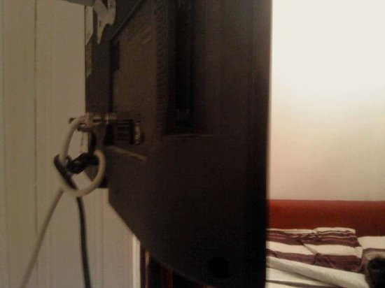 King's Cross Hotel: le noeud derrière la télé