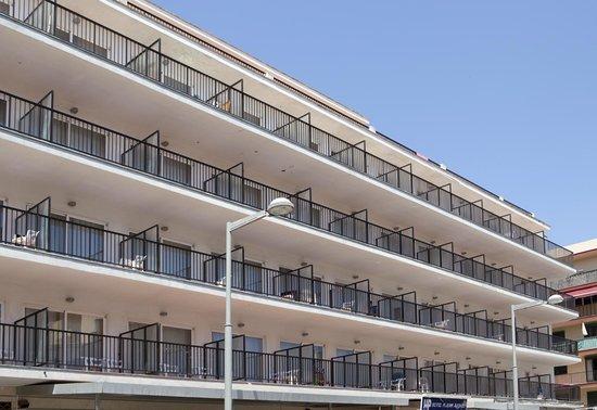 Playas Arenal: Building