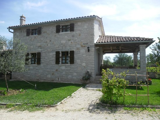 Prkacini, Croacia: The house from outside