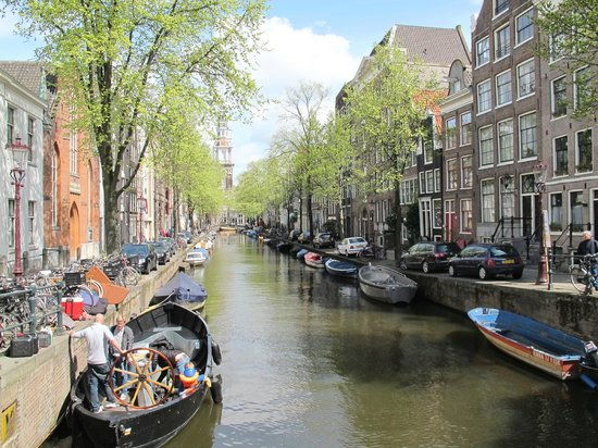 Amsterdamsel Tours: About 100 canals and 1000 bridges (and a million cycles)