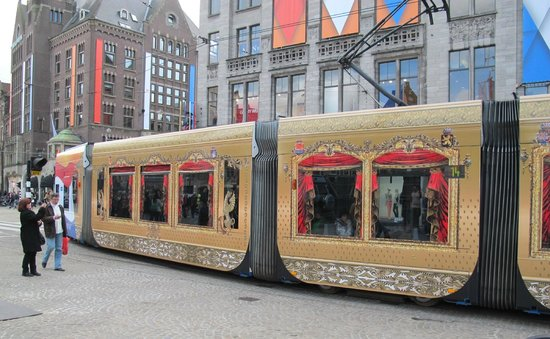 Amsterdamsel Tours: Even some trams were decorated for Queens Day