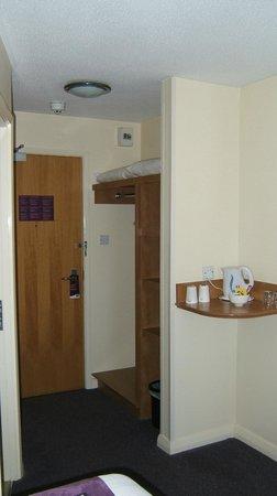 Premier Inn Goole Hotel: Room entrance