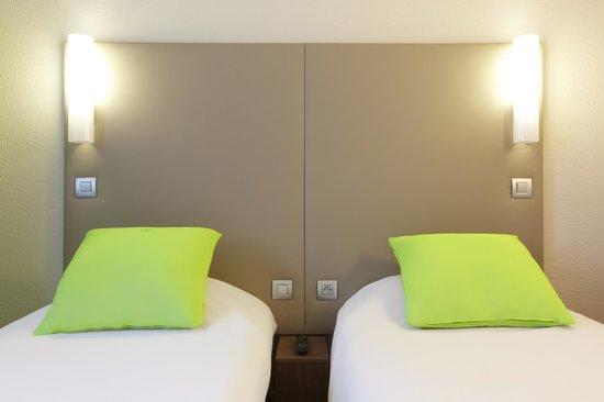 Campanile Saint Quentin En Yvelines : Bedroom