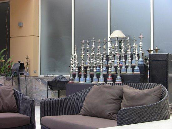 Le Meridien Pyramids Hotel & Spa: Narghilè per la sera a bordo piscina