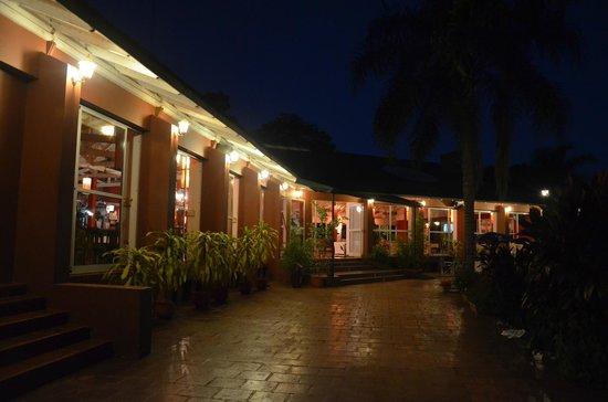 hostel inn com: