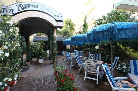 Aggravi Hotel: particolare dell'esterno