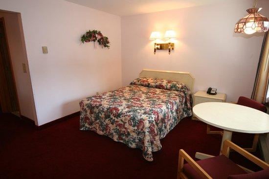 Mohican Motel: Two bedroom unit
