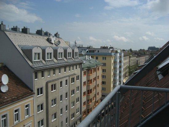Aussicht Terrasse Strassenseite Picture Of The Art Hotel Vienna