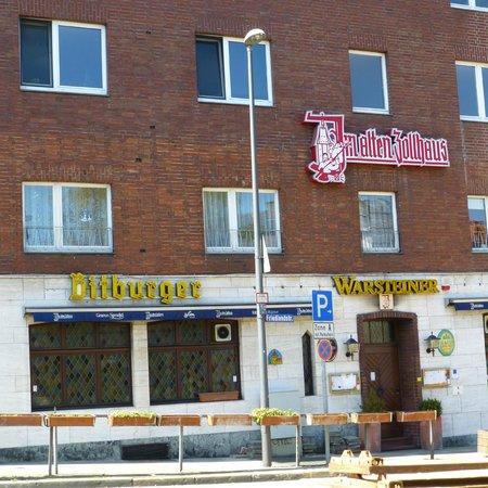 Ibis Aachen Marschiertor: Great bar/retaurant just around the corner