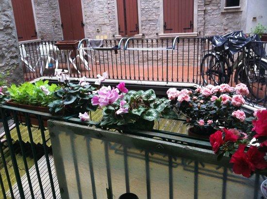 Albergo degli Artisti: balkony