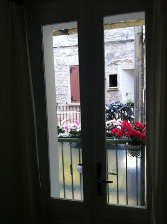 Albergo degli Artisti: view on the balcony