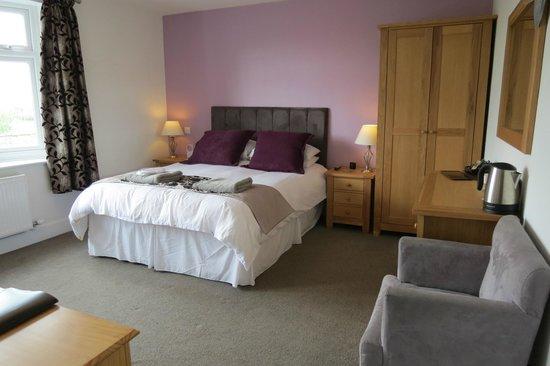Hillside Cottage Bed & Breakfast