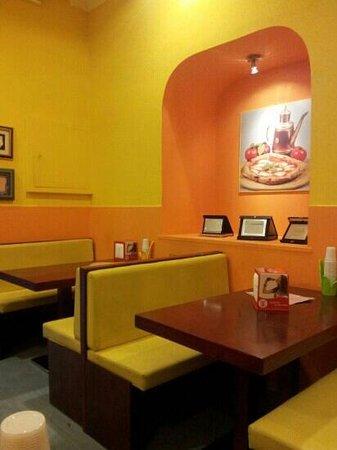 Jhonny Pizza: Inside