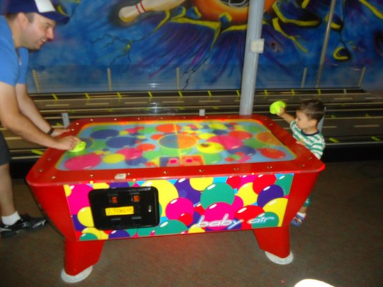 Comfort Inn & Suites: Fun times in the play area