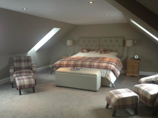 Home Farm Cottages: HUGE, COSY AND COMFORTABLE