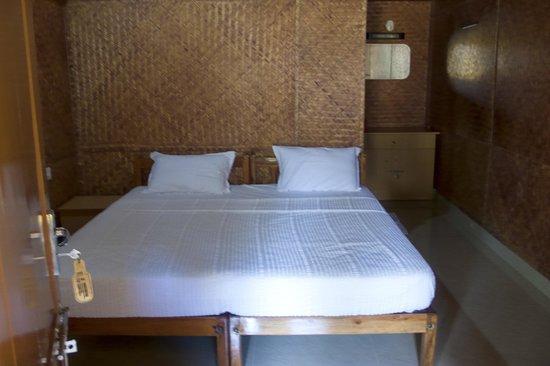 Savithri Inn: inside hut