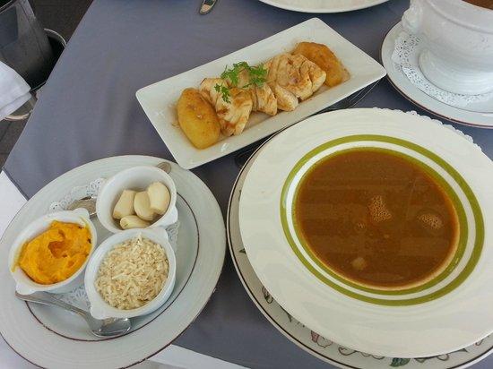 Le Bistrot du port : bouillabaisse ou plotoy soupe de poissons