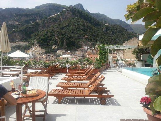 terrazza e piscina - Picture of Hotel Marina Riviera, Amalfi ...