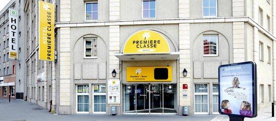 Premiere Classe Paris Ouest - Pont De Suresnes : Exterior view
