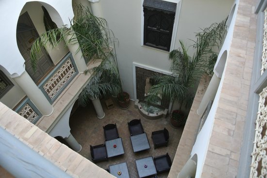 Dar Andamaure: zicht op de patio