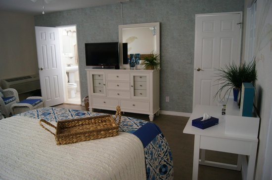 Camelot Beach Resort: Our Bedroom (2 Queen Beds)