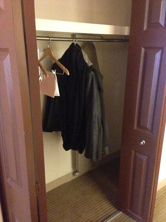 Sheraton Imperial Hotel Raleigh-Durham Airport at Research Triangle Park : Closet