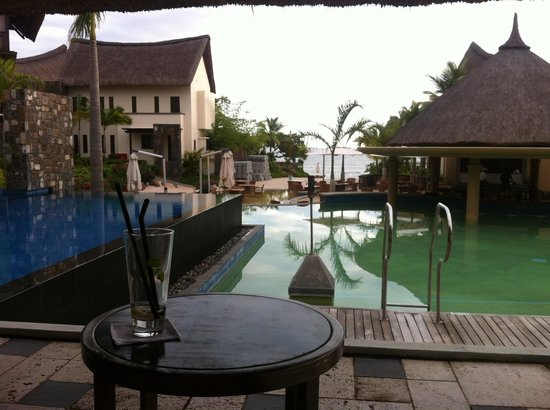 Angsana Balaclava Mauritius: View to the beach