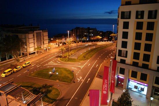 Torres Forum Plus: Vue nocturne depuis l'appartement