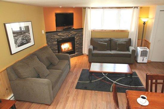Le Montagnard: Condo de luxe 2 chambres et foyer