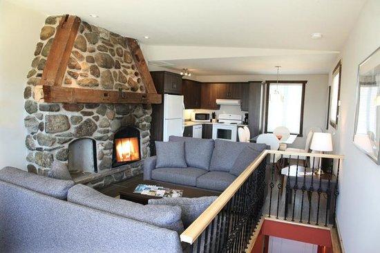Le Montagnard: Condo supérieur 2 chambres et foyer
