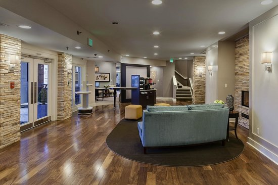 Homewood Suites by Hilton Memphis-Poplar: View from Front Desk