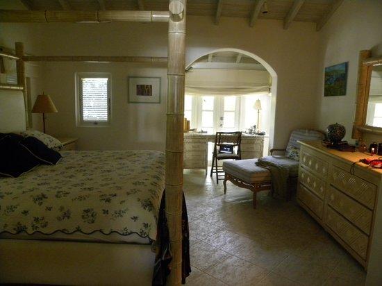 Port St. Charles: bedroom