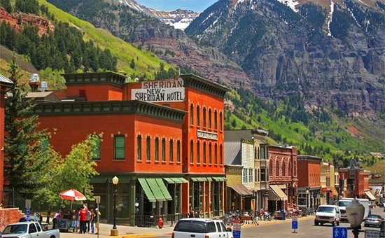 New Sheridan Hotel: The New Sheridan in Telluride - Summer Scene