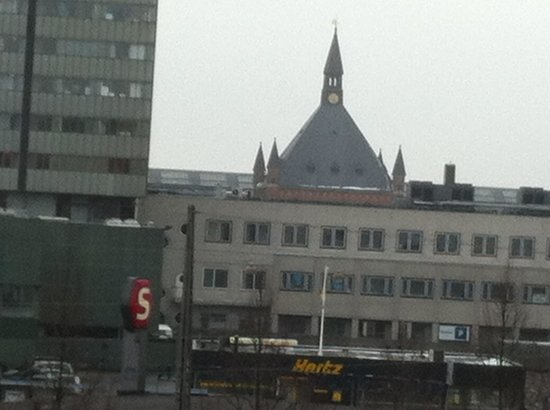 Copenhagen Mercur Hotel: Photo from hotel room of train station