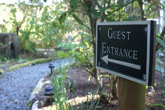 BriMar Bed and Breakfast: Garden Entrance