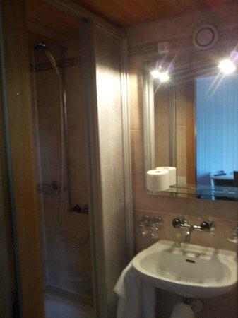 Hotel de l'Ange : Badezimmer