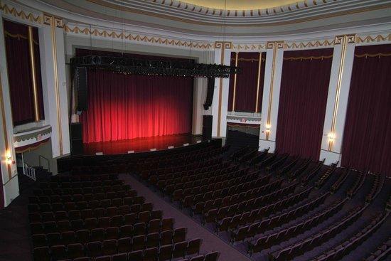 Mayo Performing Arts Center: Theatre Interior