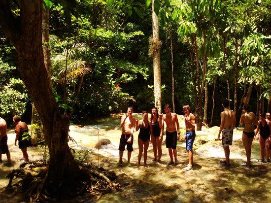 Yeamon Tours: Dunn's River Falls