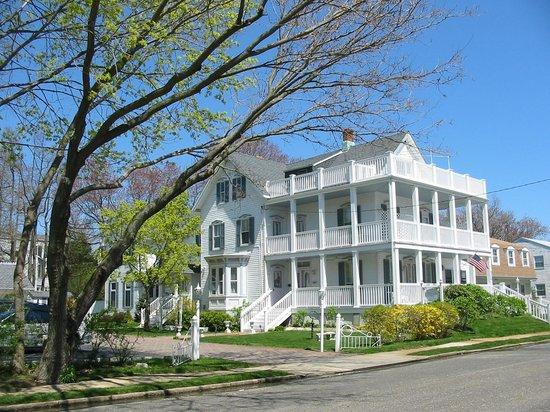 White Lilac Inn